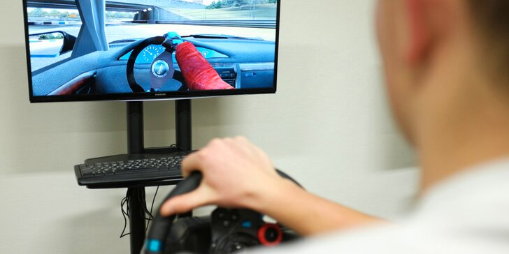 Jízda na promakaných simulátorech závodních aut: 30 minut pro 1 i 2
