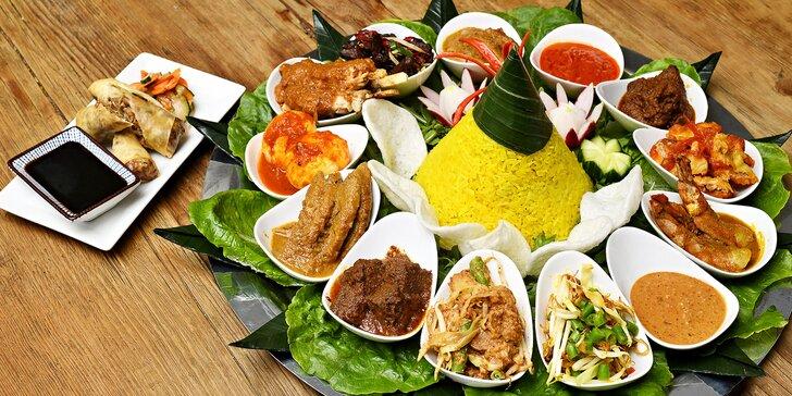 Tác indonéských specialit: krevety, ryba mahi-mahi, hovězí i kuřecí maso aj. pro 3–4 osoby