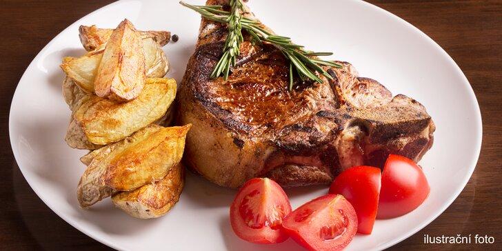 Výběr z parádních steaků: vepřový, hovězí rib eye steak nebo 500gramový T-bone