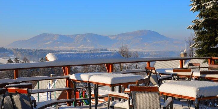 Do Beskyd na víkend: 4chodová večeře s bio hovězími steaky, sauna i lyžování