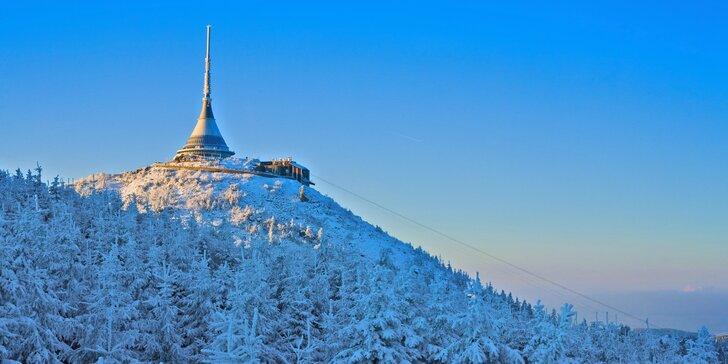 Oslavte Vánoce v oblacích. Od 24. 12. do 25. 12. vás zve legendární hotel Ještěd.
