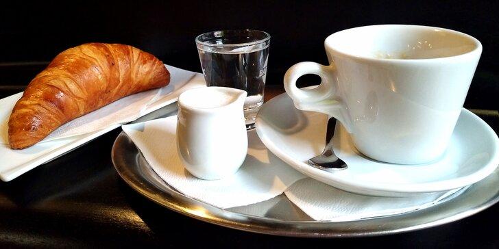 Podzimní posezení: káva dle výběru, domácí limonáda, bagetka i croissant