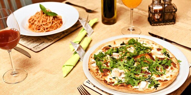 Pizza nebo těstoviny a nealkoholický nápoj v restauraci Vabene