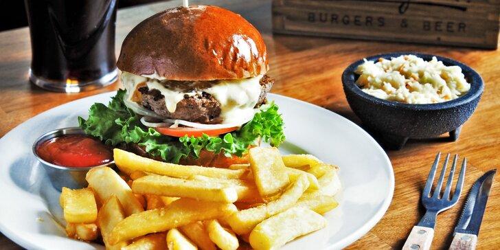 Burger z českého masa, košík domácích hranolků, coleslaw a lívance pro dva