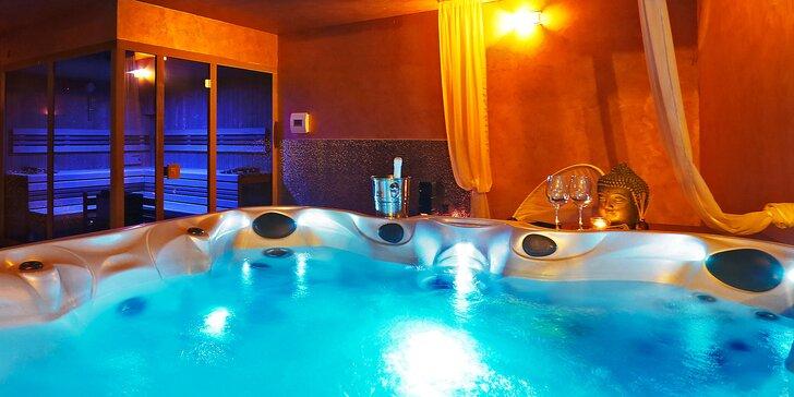 2 hodiny relaxace v privátní vířivce pro 2–4 osoby s láhví sektu a třeba i saunou či masáží
