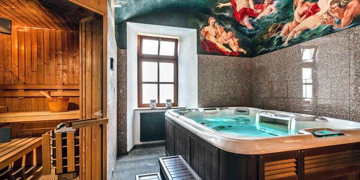 Romantický relax v historické budově: polopenze, privátní relax i lahev vína