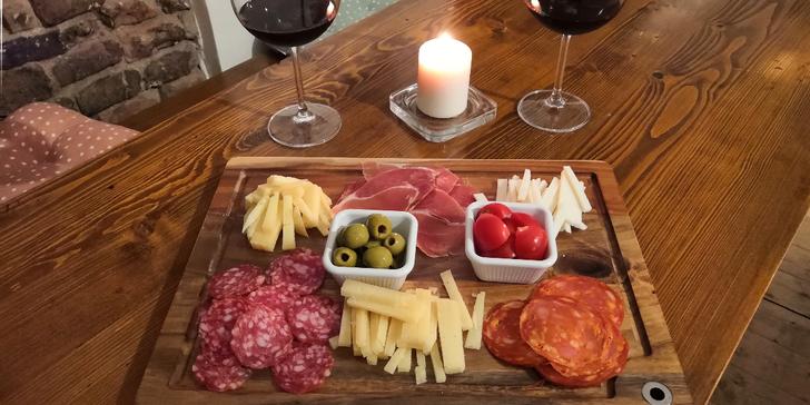 Španělské víno dle výběru a tapas pro jednu i více osob