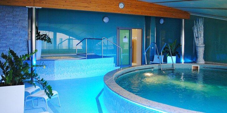 Pojeďte za odpočinkem do Karlových Varů. Ubytujete se v hotelu Venus a do bazénu s whirlpoolem budete mít neomezený vstup.