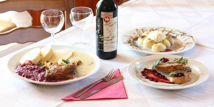 3chodové menu na Svatého Martina: husí paštika, stehýnko s variací knedlíků a jako dezert rakouský tradiční knedlík