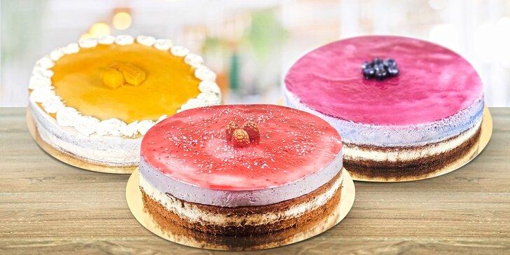 Bezlepkové dorty o průměru 18 či 24 cm: levandulový, mangový i jahodový