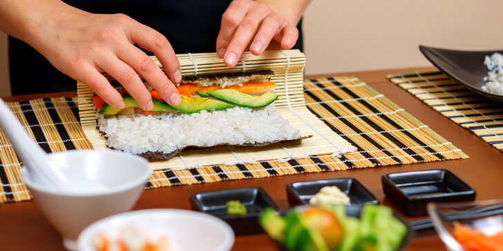 Kurz přípravy sushi v Praze: teorie, praxe, degustace i sushi na doma