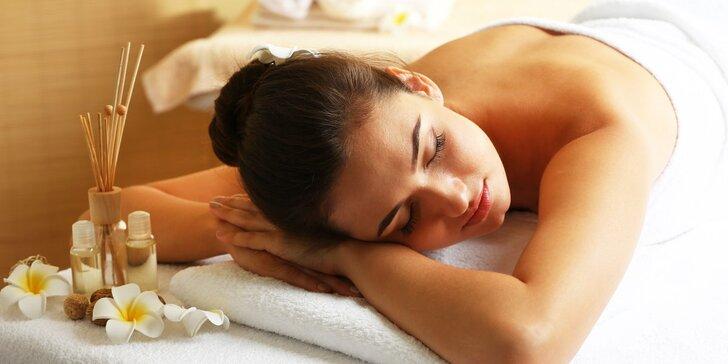 90minutová relaxační masáž vonným olejem dle výběru