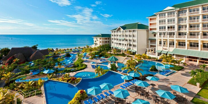 Město na sopce, tropické lesy i super pláže: 4* Sheraton Bijao Beach Resort s all inclusive