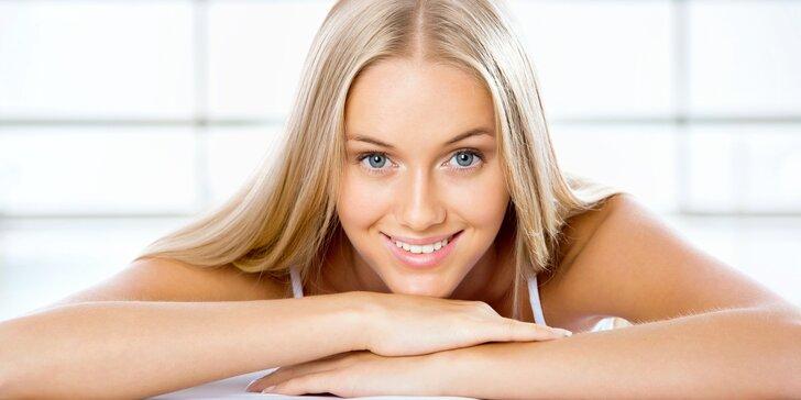 Kompletní kosmetické ošetření pleti včetně parafínového zábalu na ruce a dárečku