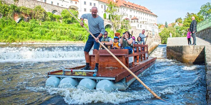 Projeďte se na voru centrem Českého Krumlova: letní termíny
