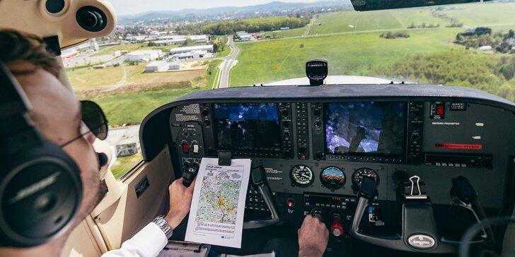 Pilotování sportovního letadla Cessna C172: 1 pilot a 2 pasažéři