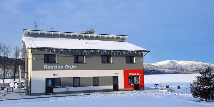 Aktivní zima na Lipně s polopenzí a možností lyžování v blízkém Rakousku