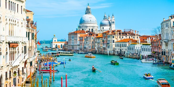 Jaro nebo léto v nádherných Benátkách: moderní pokoj, snídaně a památky