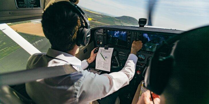 Sportovní letadlo Cessna C172: 20, 30 nebo 40 min. pilotování pro 1 osobu a možnost dalších 2 pasažérů