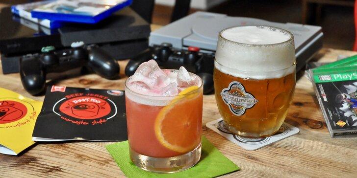 Hodina zábavy: PlayStation 1, 4 nebo pinball, nápoje a jerky až pro 2 osoby