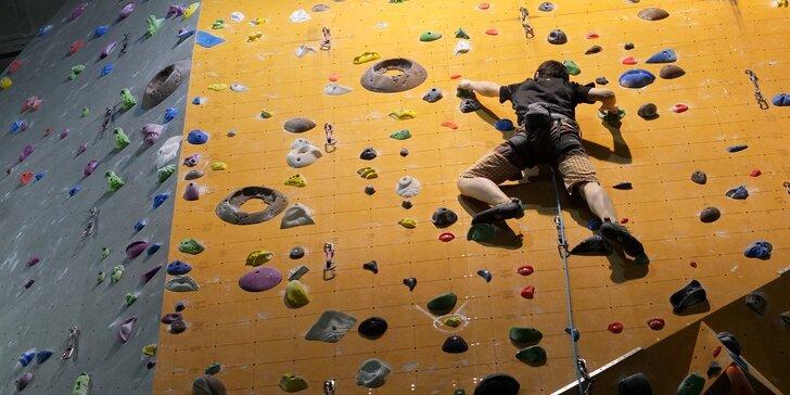 Základní skupinový kurz lezení na umělé stěně pro 1 i 2 osoby