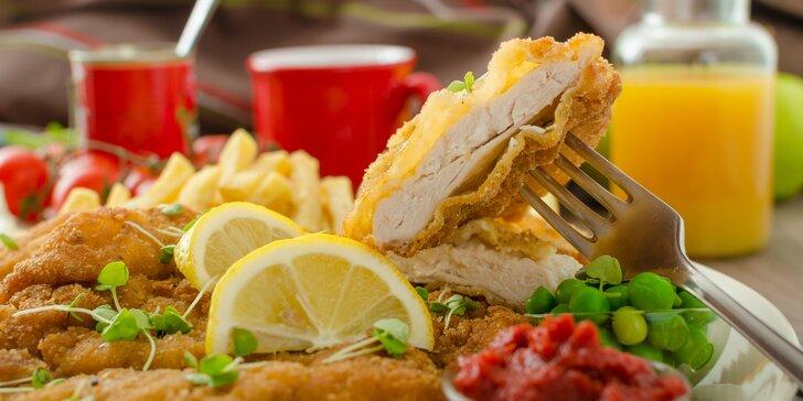 Malý nebo velký piknik: řízky, americké brambory, salát i mrkvový koláč