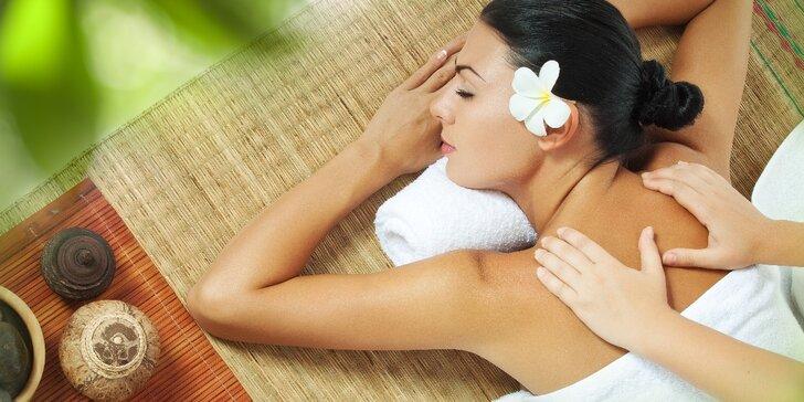 Vaše hodinka odpočinku: relaxační masáž s éterickým olejem dle výběru