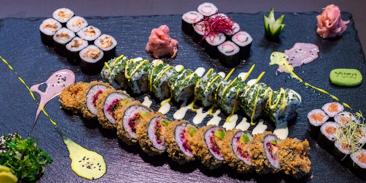 Chutě Japonska: sety s 16 a 42 ks sushi, polévkami, salátem a kuřecím teriyaki