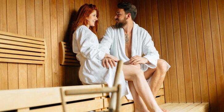 Wellness balíček pro 2 osoby: hodina v sauně, rašelinový zábal i koupel