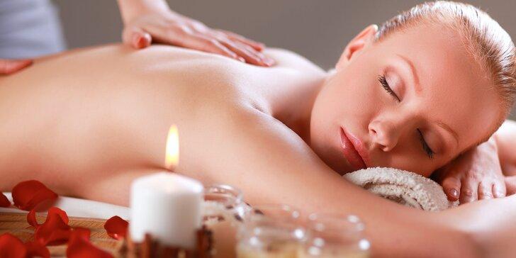 Kompletní balíček péče o tělo: relaxační olejová masáž a lázeň i masáž nohou