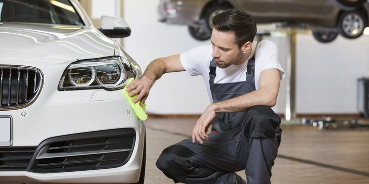 Auto jako nové: ruční mytí karoserie, čištění interiéru i kompletní péče