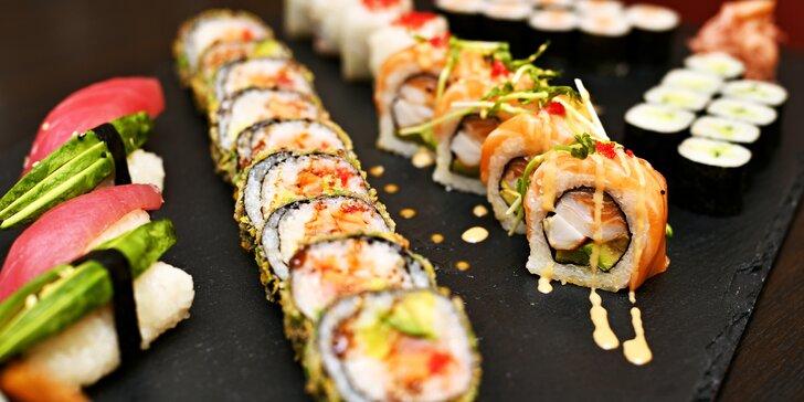 Pestré sushi menu: sety s miso losos nebo tofu polévkou, mangovým salátem i citronádou či vínem