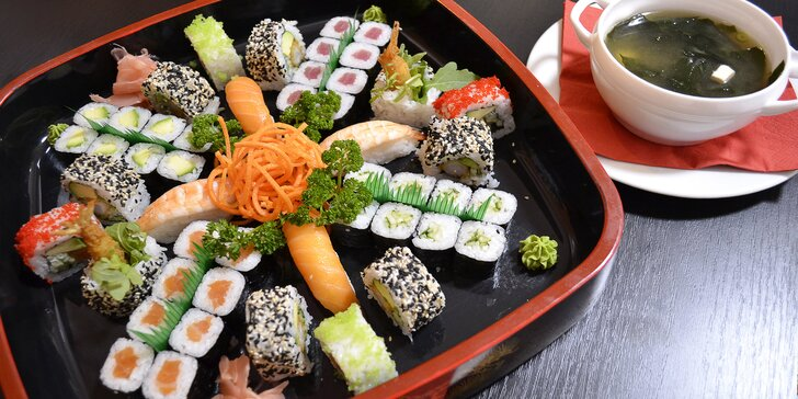Sushi sety v restauraci ve Vysočanech: až 54 ks sushi, minizávitky i polévky