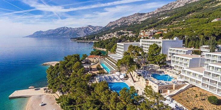 Užijte si letovisko Baška Voda - 5* hotel u pláže s all inclusive, vlastní doprava