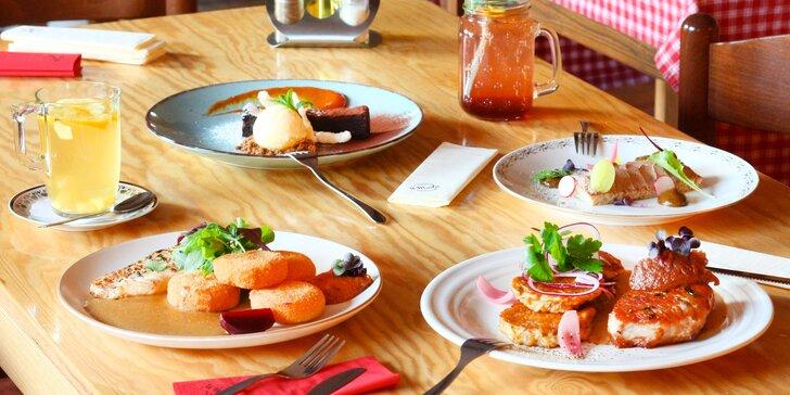 3chodové menu a nápoj dle výběru pro dva: vepřový steak, kuřecí prso i brownies