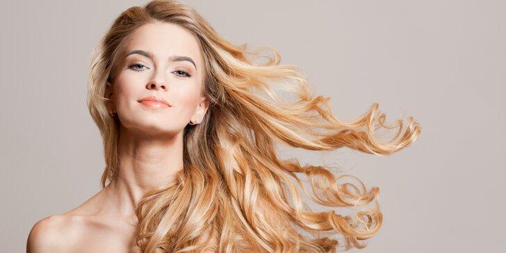 Dámský střih a barvení italskými barvami pro všechny délky vlasů vč. masáže hlavy
