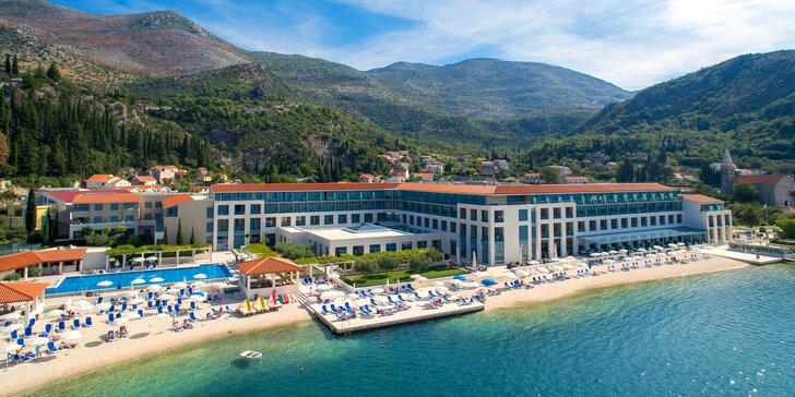 Luxusní dovolená v 5* resortu v zátoce přímo u pláže: polopenze, balkon, bazény