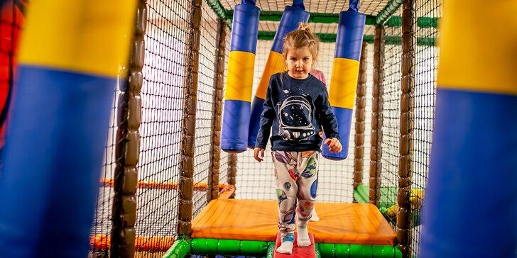 Vstup do dětského centra: přes 30 atrakcí, herní labyrint i mnoho dalšího