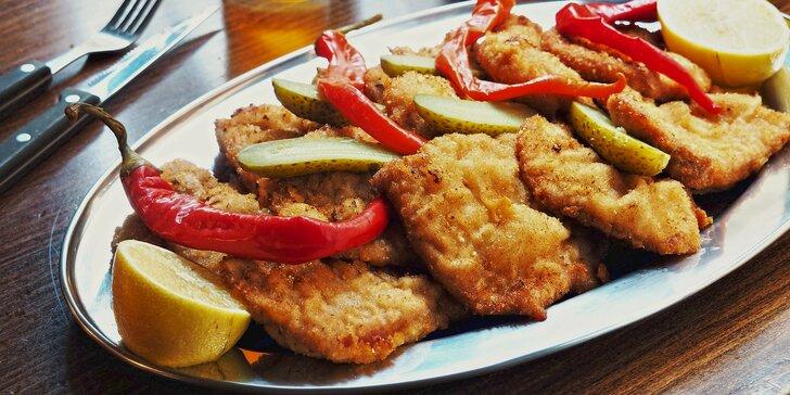 500 g nebo 1 kg smažených řízků podle chuti: kuřecí, vepřové nebo mix