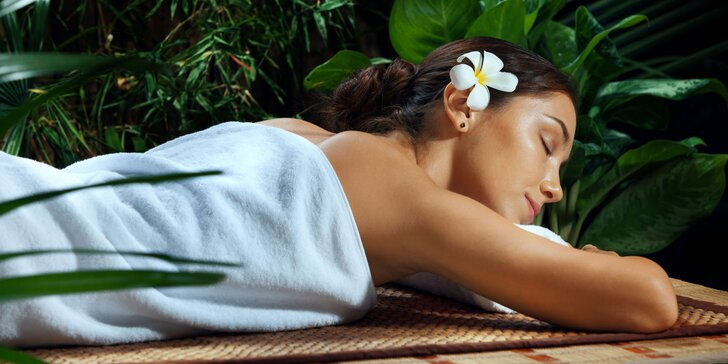 Balíček pro ženy plný hýčkání a rozmazlování: masáž zad, obličeje a zábal