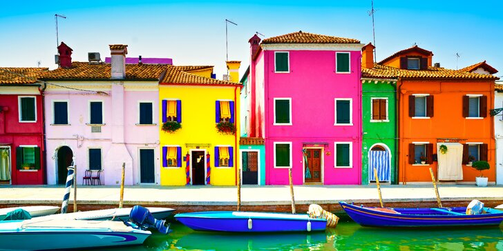 Italské Benátky a ostrov Burano vyhlášený krajkami a rybími specialitami