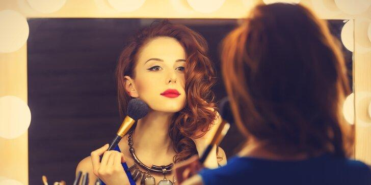 Modelkou i vizážistkou zároveň: kurz líčení s balíčkem kosmetiky