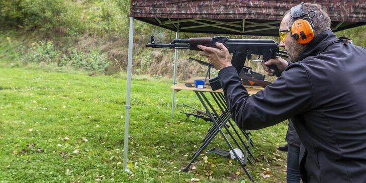 Dobrodružství na střelnici: vlastní výběr z 350 zbraní a k nim až 111 nábojů