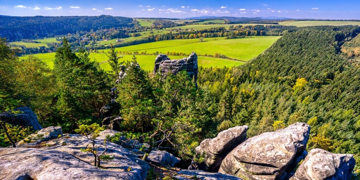 Krásy Adršpachu: dovolená v chatkách s termíny v od dubna do října 2020, včetně léta