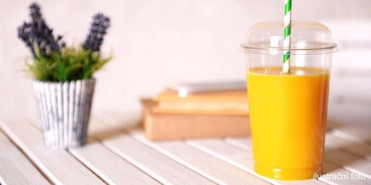 Hřejivé kaki: 0,5 l lahodného nápoje plného ovoce se zázvorem a skořicí