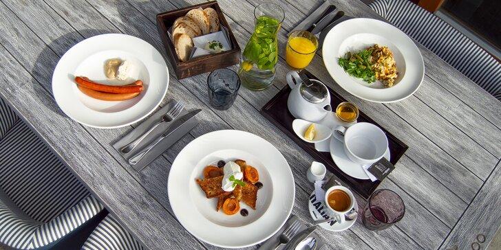 Snídaně v restauraci Miminoo a vstup na Žižkovskou věž