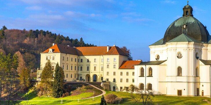 Pobyt na zámku v Moravském krasu: zvěřinová polopenze i vstup do jeskyně