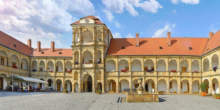3–7denní pobyt pro dva v Moravské Třebové s polopenzí a lahví vína
