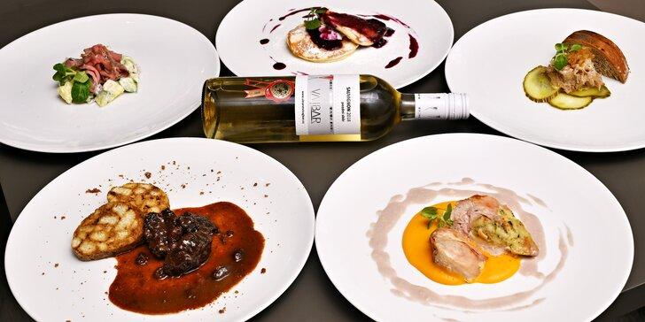 5chodové degustační menu u náplavky pro dva: dančí ragú, vepřové rillettes, roastbeef i lívance