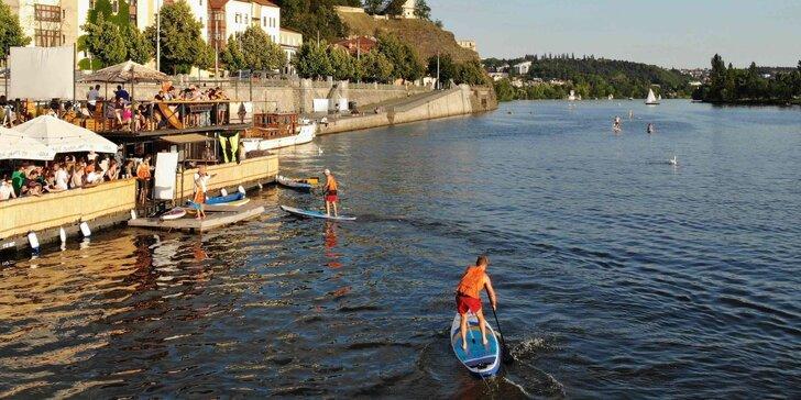 Paddleboarding v centru Prahy pro jednoho i pro dva